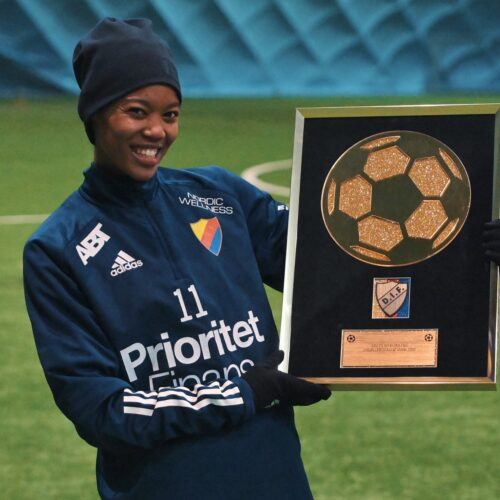 Newcomer of the Year LINDA MOTLHALO